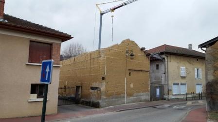 Création d'ouvertures, rénovation de maison en pisé