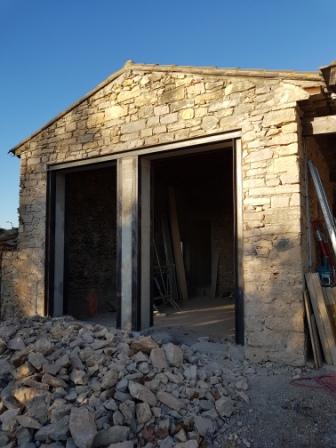Création d'ouvertures, rénovation de maison en pierre