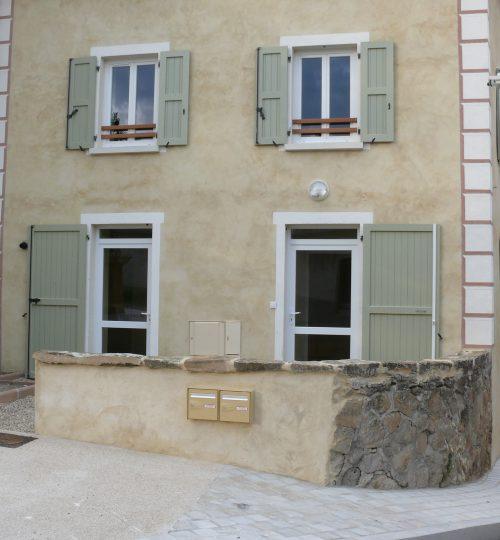 Rénovation toiture et façade en pisé : après